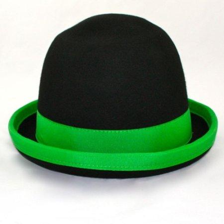 Juggling bowler hat Juggle Dream black hat and green ribbon outside 60