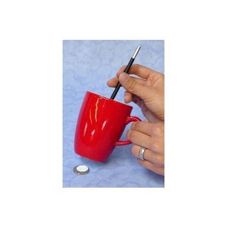 Zaubertrick - Impossible - Münze durch Tasse mit Hilfe eines Zauberstabs