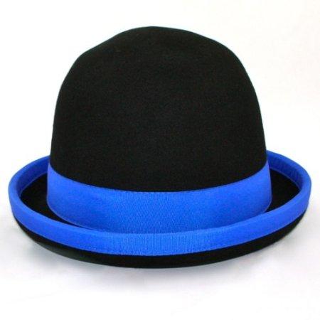 Juggling bowler hat Juggle Dream black hat and blue ribbon outside